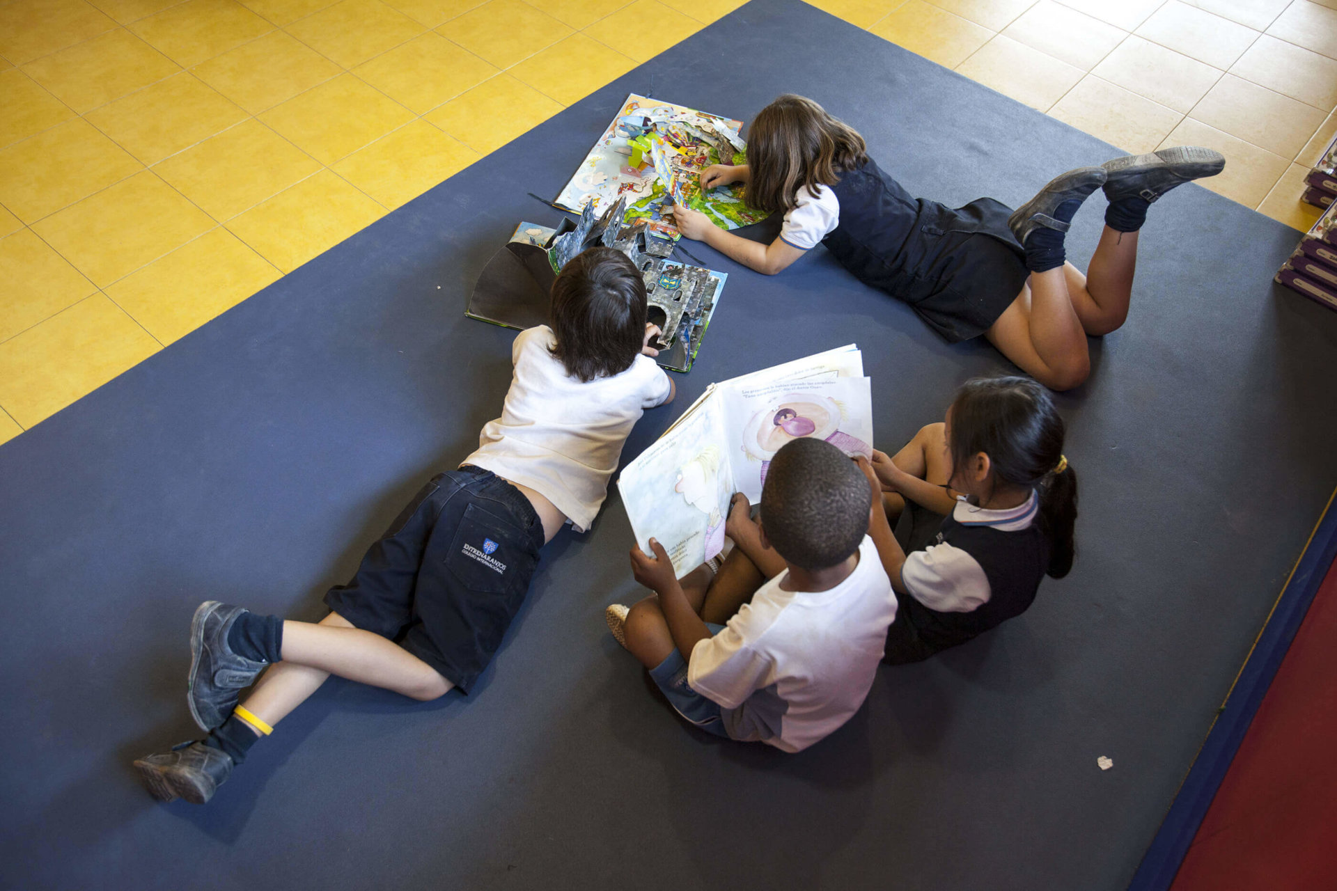 5 aulas del colegio entrenaranjos international school