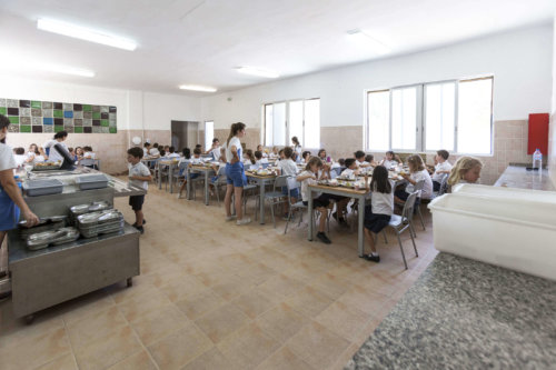 4 comedor del colegio entrenaranjos international school